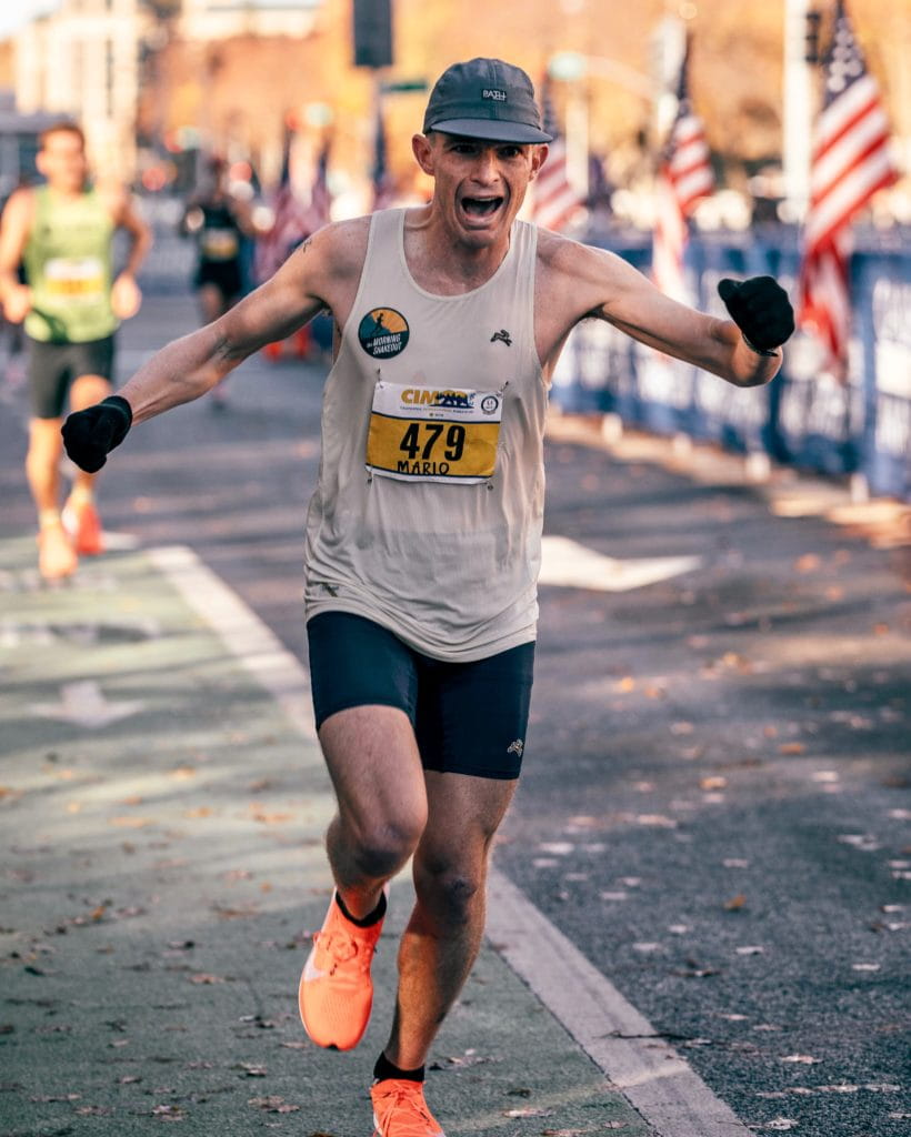 Mario Fraioli running in the California International Marathon (CIM)